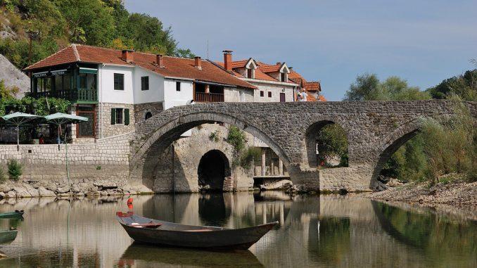 Peisaj din Muntenegru. FOTO a371