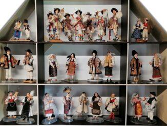 ŞI PĂPUŞILE POARTĂ IE – la Muzeul Satului Bucovinean